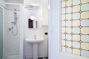Ideas for Small Bathrooms That Make a Big Splash